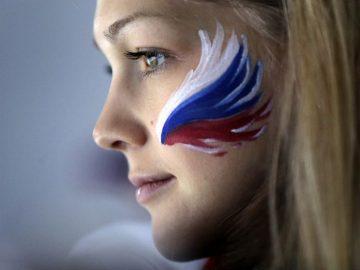 creative Russian flag face paint tutorial