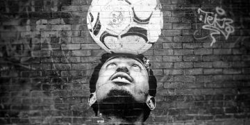awesome-soccer-ball-head-graffiti-wall-art-murial-london